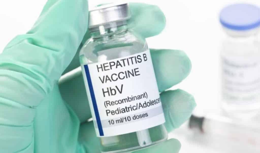 Сколько раз в жизни делать прививку от гепатита В?