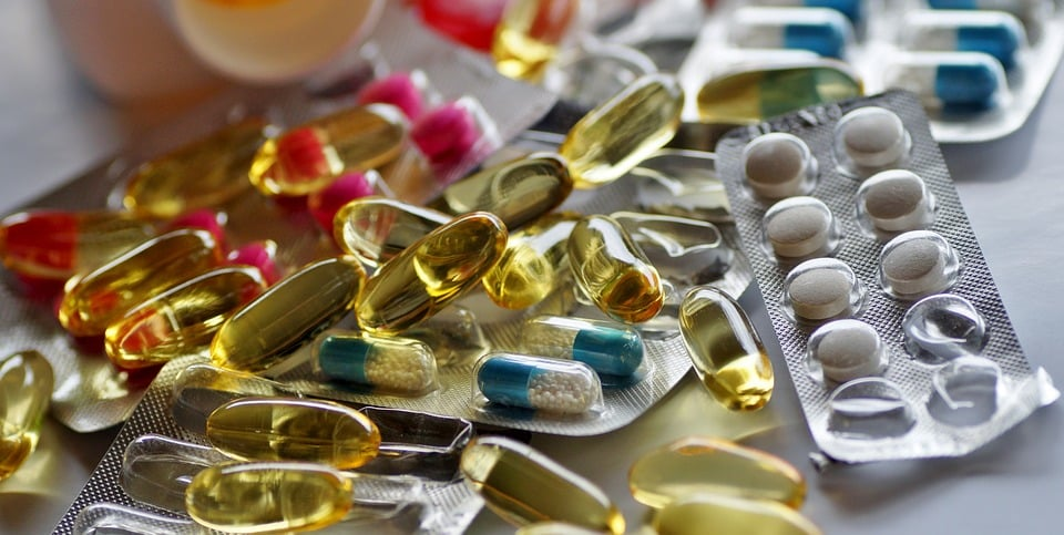 При лечении гепатитов В И С используют противовирусные препараты, иммуностимуляторы и гепатопротекторы